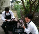 Pulling feathers at Bigarrade with Chef Pele and comis